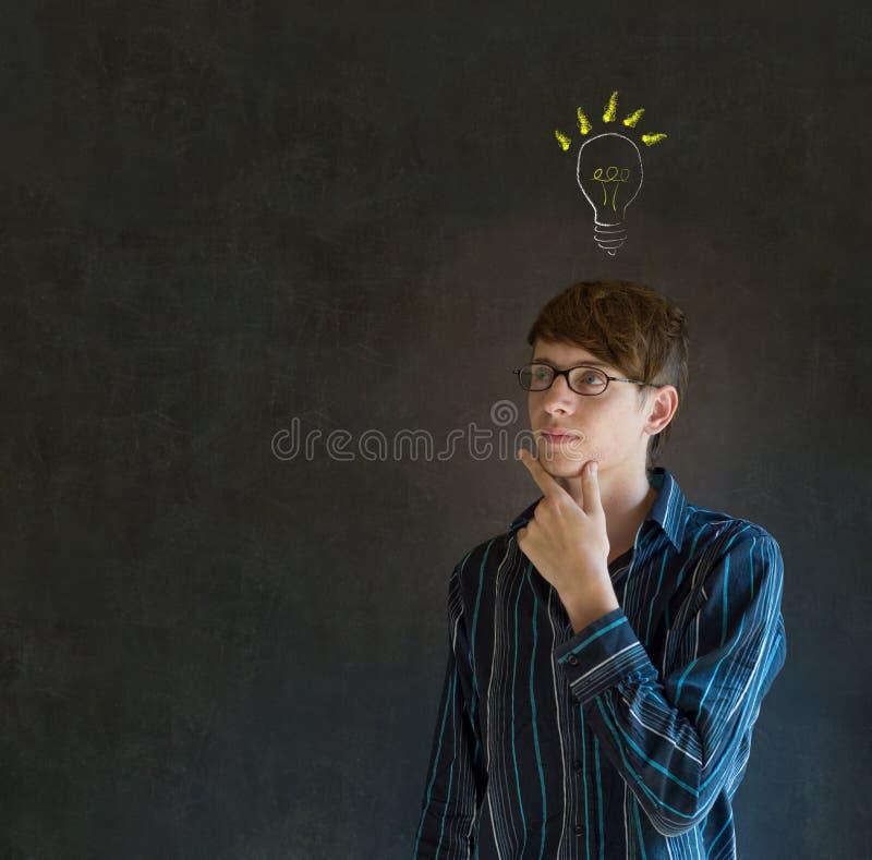 Man för affär för ljus idélightbulb tänkande royaltyfria bilder