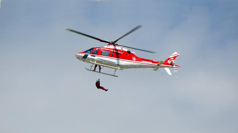 Man för lufträddningsaktion royaltyfri foto