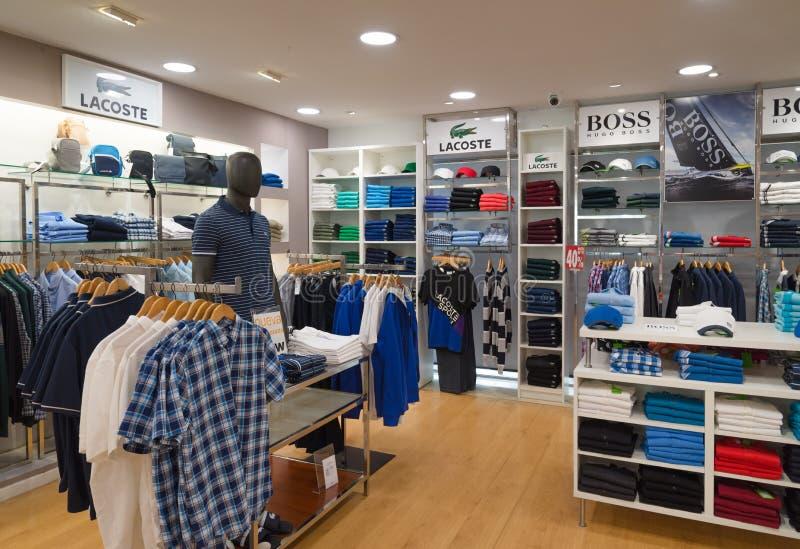 Optimismo Polvoriento Aprovechar  Man fashion outlet editorial stock photo. Image of brand - 88840983