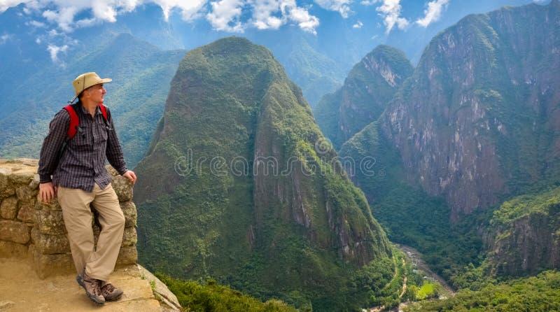Man i Machu Picchu, Peru royaltyfri foto