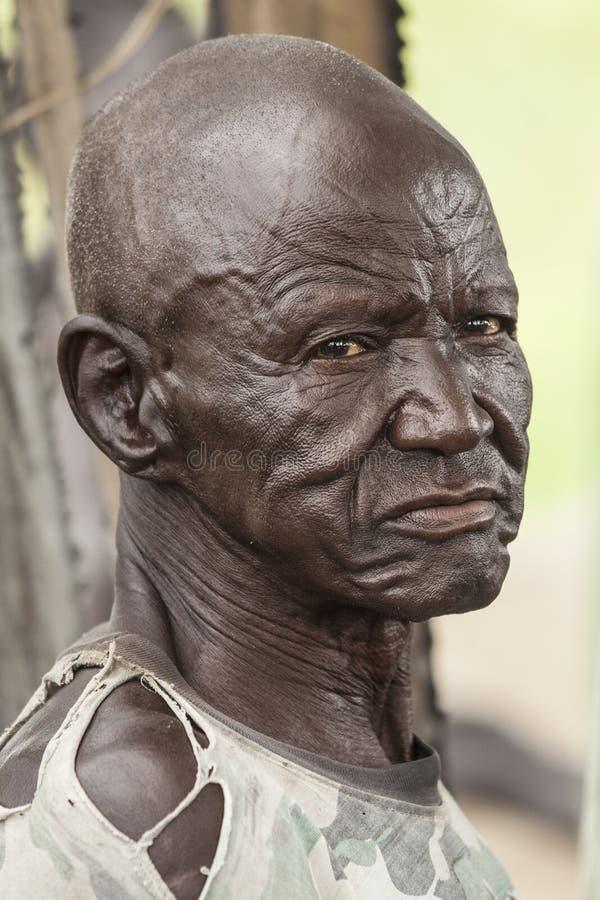 Man i södra Sudan arkivfoto