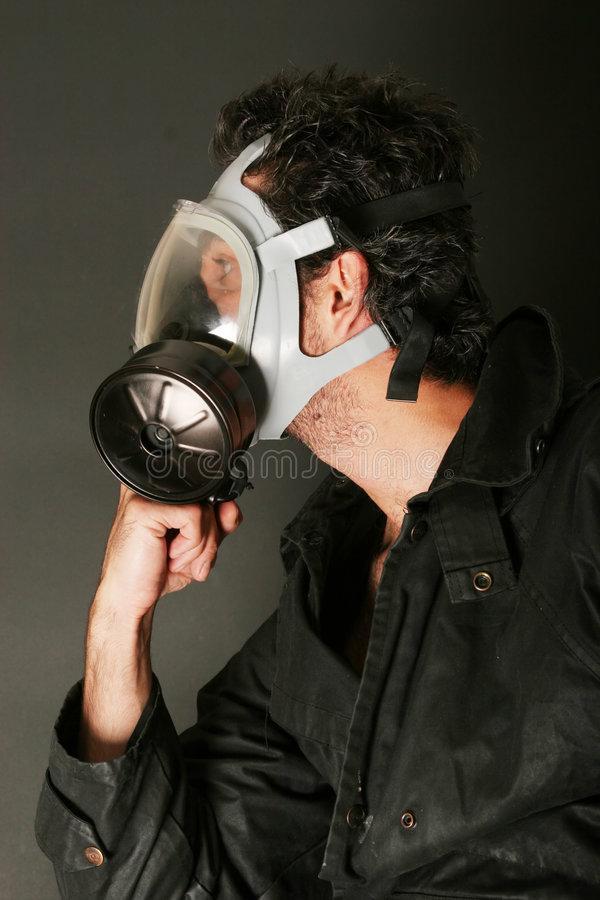 Free Man In Gas Mask Royalty Free Stock Images - 2733809