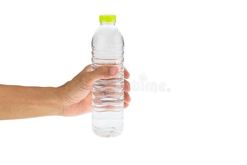 Man& x27; mão de s que mantém a garrafa de água potável isolada no backg branco fotografia de stock royalty free