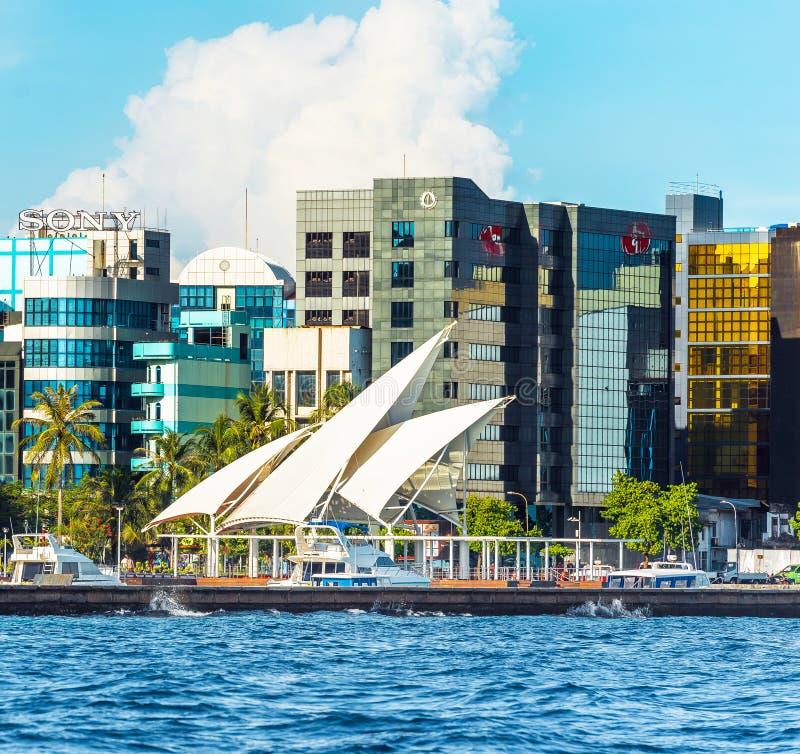 MAN MALDIVERNA - NOVEMBER 18, 2016: Sikt av staden av mannen - arkivbilder