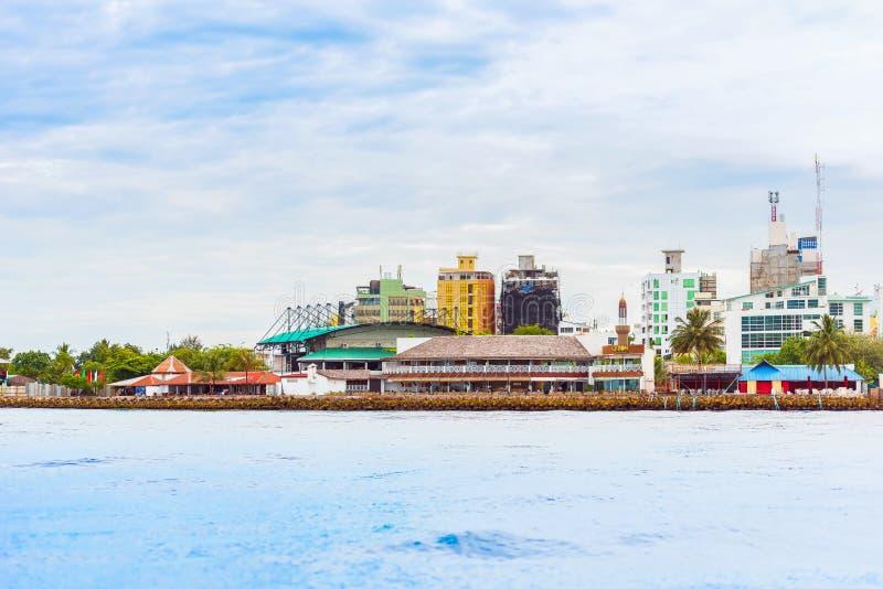 MAN MALDIVERNA - NOVEMBER 18, 2016: Sikt av staden av mannen arkivfoto