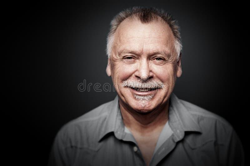 Man med mustaschen fotografering för bildbyråer
