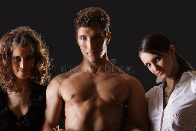 Man met twee vrouwen royalty-vrije stock afbeeldingen