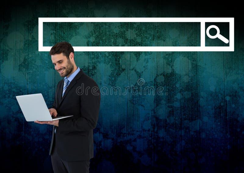 Man på bärbara datorn med sökandestången med mörk grungebakgrund royaltyfri illustrationer