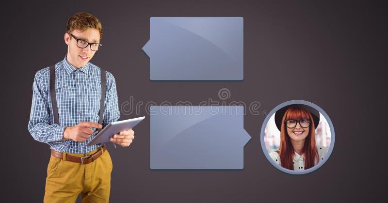 Man som använder minnestavlan med profil för pratstundbubblamessaging arkivbild