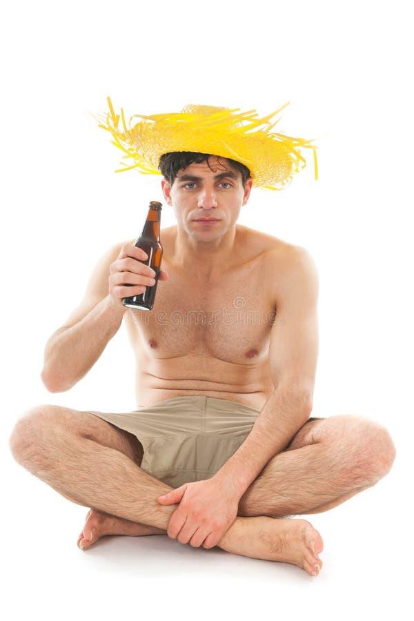Man som dricker öl royaltyfria bilder