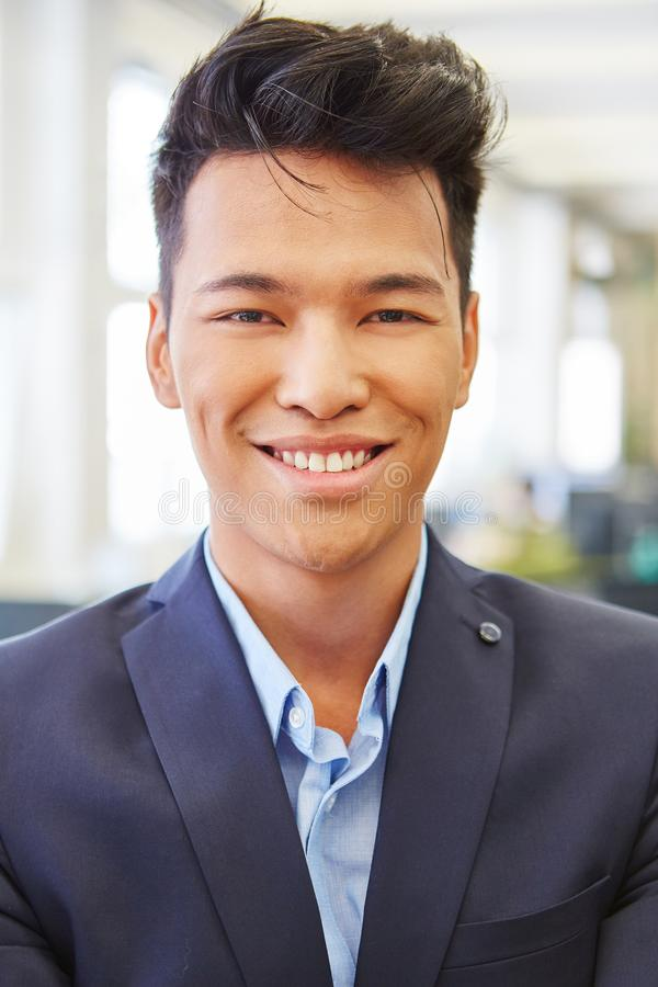 Man som lyckad start-up grundare royaltyfri fotografi
