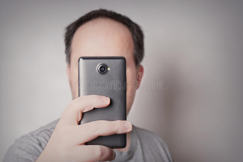 Man som tar selfie royaltyfria bilder