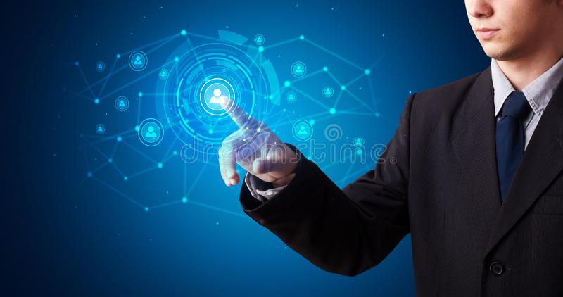 Man som trycker p? holograms?kerhetssymbol vektor illustrationer