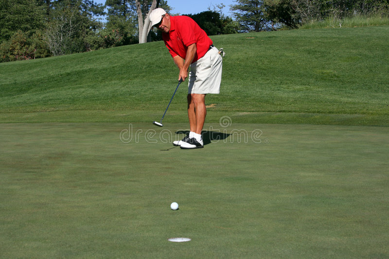 Download Man About To Make Putt Royalty Free Stock Photos - Image: 2680148