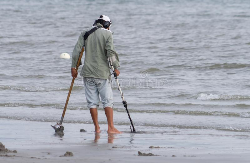 Jew Detector: Man,metal Detecting Editorial Stock Photo. Image Of Coins