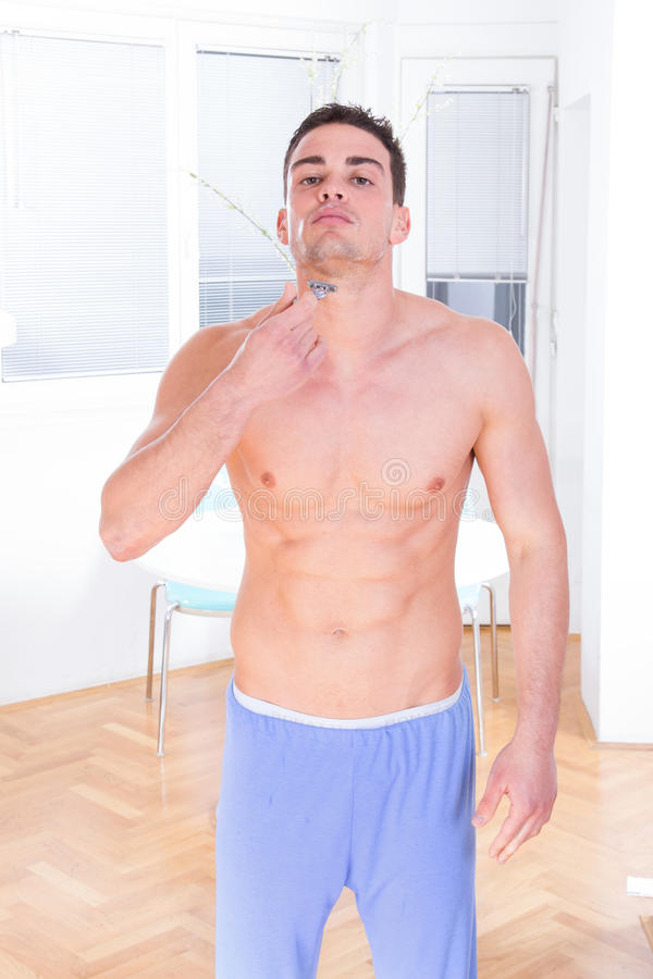 Free Man Using Razor For Shaving His Beard And Face Stock Photos - 40479433