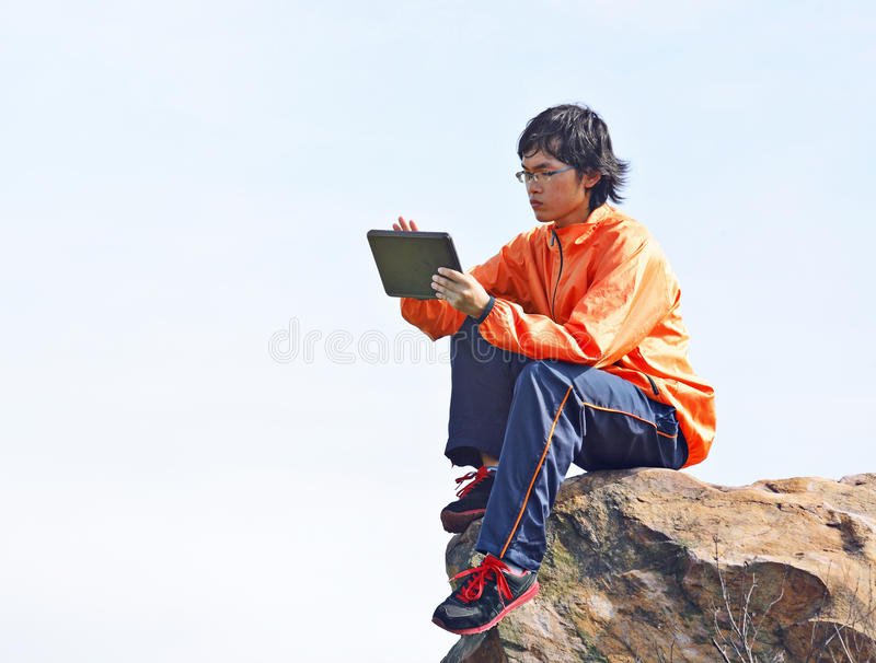 Man Using Tablet Pc Royalty Free Stock Photo