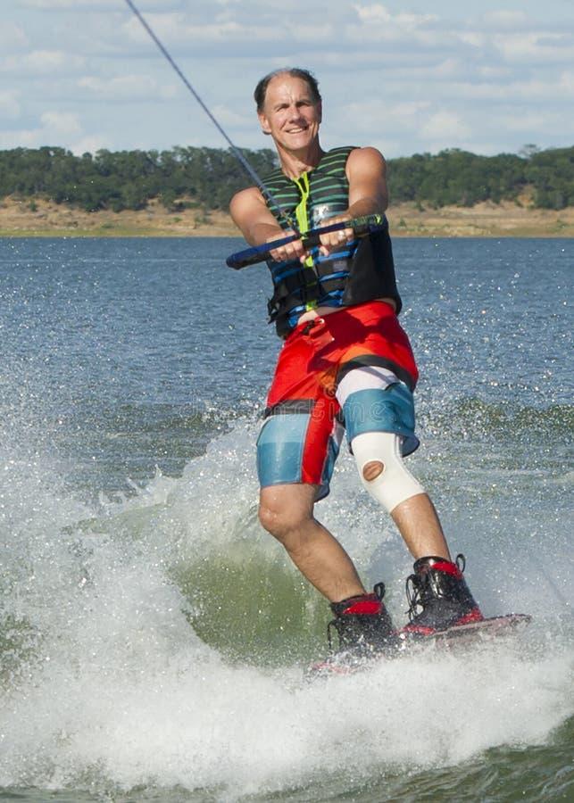 Man Wakeboarding royaltyfria bilder