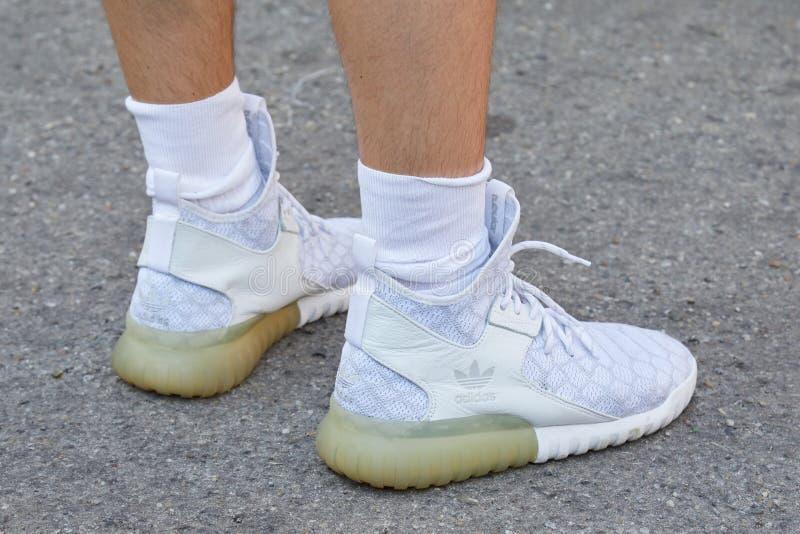adidas tubular style
