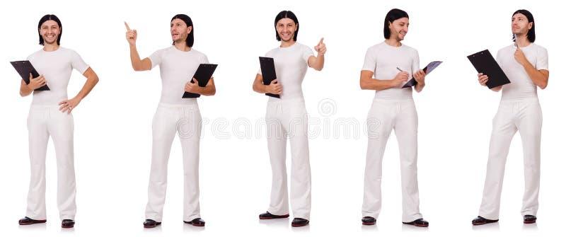 Man in witte die sportkleding op wit wordt geïsoleerd stock afbeelding