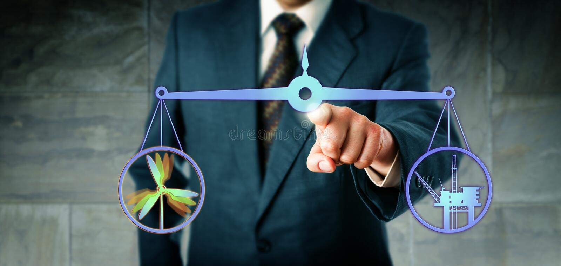 Manager Equating Wind Power und Hochseebohrung lizenzfreies stockfoto