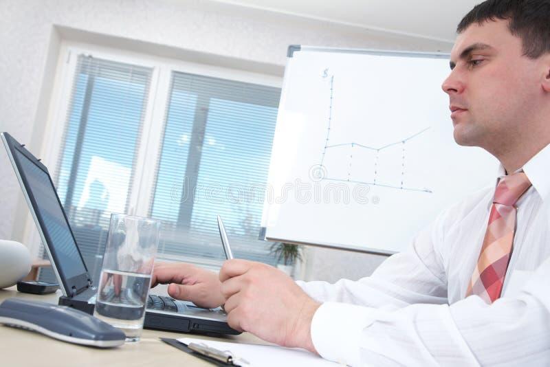 Manager und Laptop stockfotos