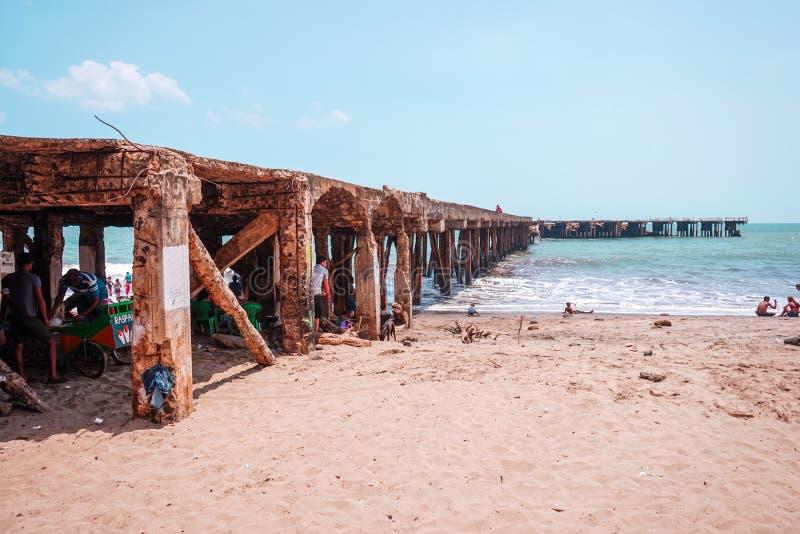 Managua, Nicaragua 15 mei De mensen hebben vakantie in een strand van Masachapa, onder de promenade royalty-vrije stock foto's