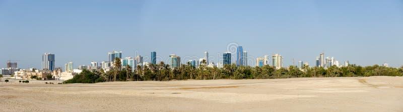 Manama Bahrain horisontpanorama arkivbilder