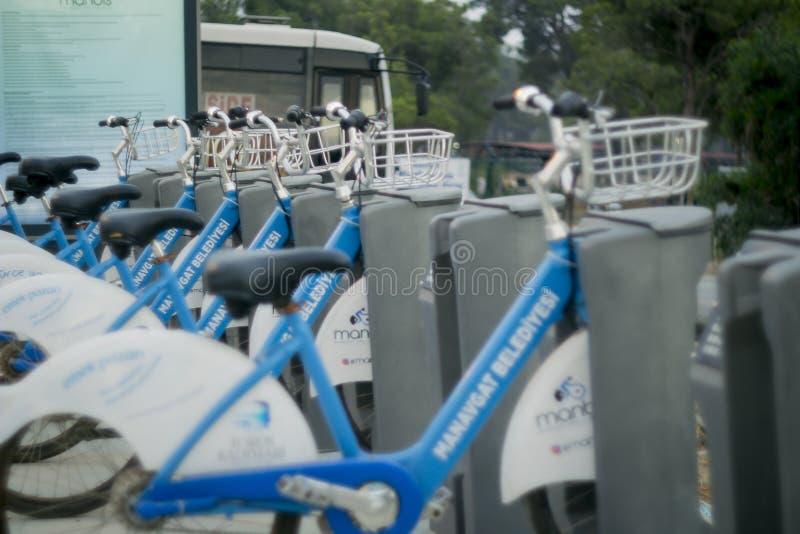 Manavgat, Turquie le 10 juin 2018 : Location de bicyclette en Turquie Transport commode pour des touristes photos stock