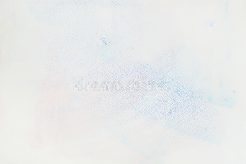 Mancha azul blanda muy suavemente a mano de la acuarela en el blanco del papel del agua-color, textura de papel del grano Imagen  imagen de archivo libre de regalías