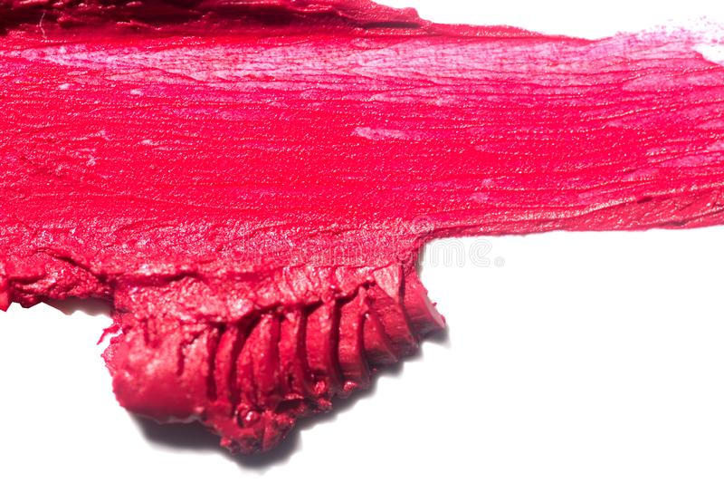 Mancha roja de la sombra de ojos o del bronzer aislada en el fondo blanco imágenes de archivo libres de regalías