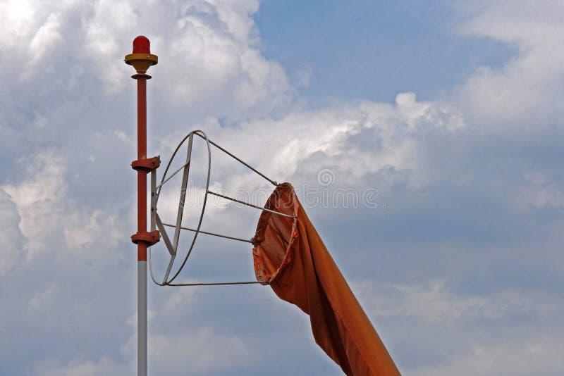 MANCHE À AIR À L'AÉRODROME photographie stock libre de droits