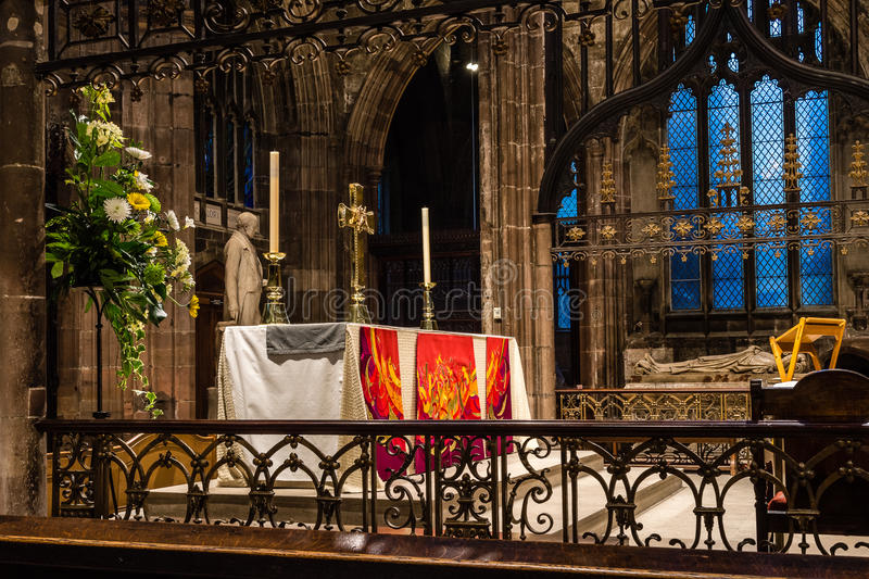 Manchester Cathedral altar A. ENGLAND, MANCHESTER - 15 NOV 2015: Manchester Cathedral altar A royalty free stock images