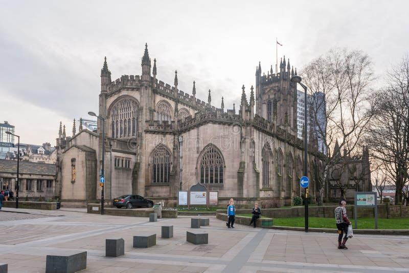 MANCHESTER, ENGELAND - MAART 08, 2014: De Kathedraal van Manchester stock afbeelding