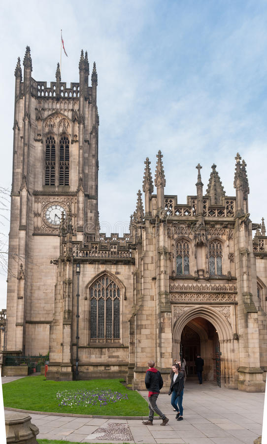 MANCHESTER, ENGELAND - MAART 08, 2014: De Kathedraal van Manchester royalty-vrije stock foto