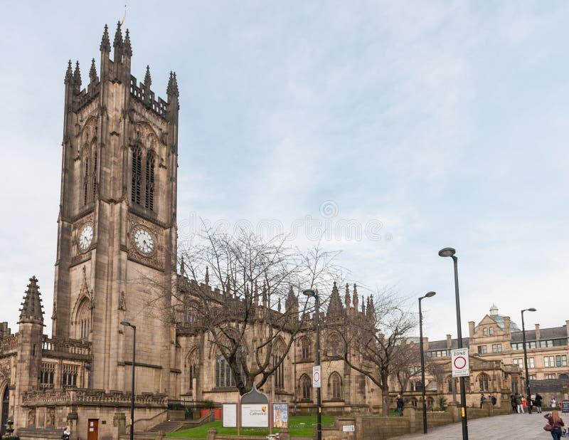 MANCHESTER, ENGELAND - MAART 08, 2014: De Kathedraal van Manchester royalty-vrije stock fotografie