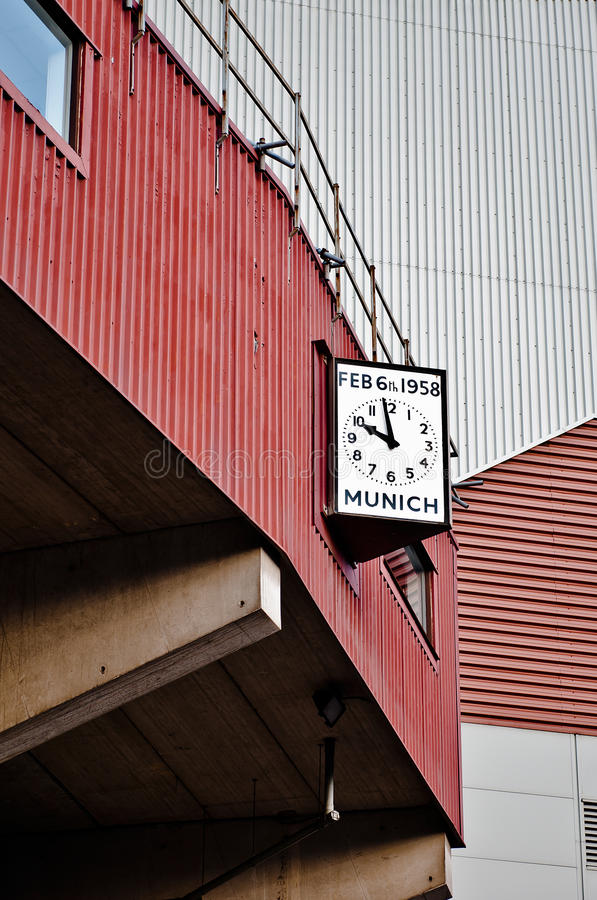 MANCHESTER, INGLATERRA: Estádio velho de Trafford imagem de stock royalty free