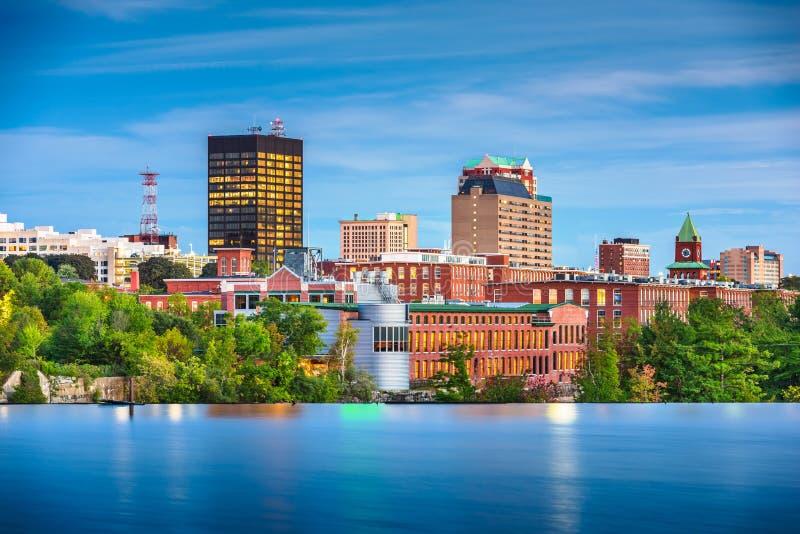 Manchester, New Hampshire, orizzonte di U.S.A. sul fiume di Merrimack immagini stock libere da diritti