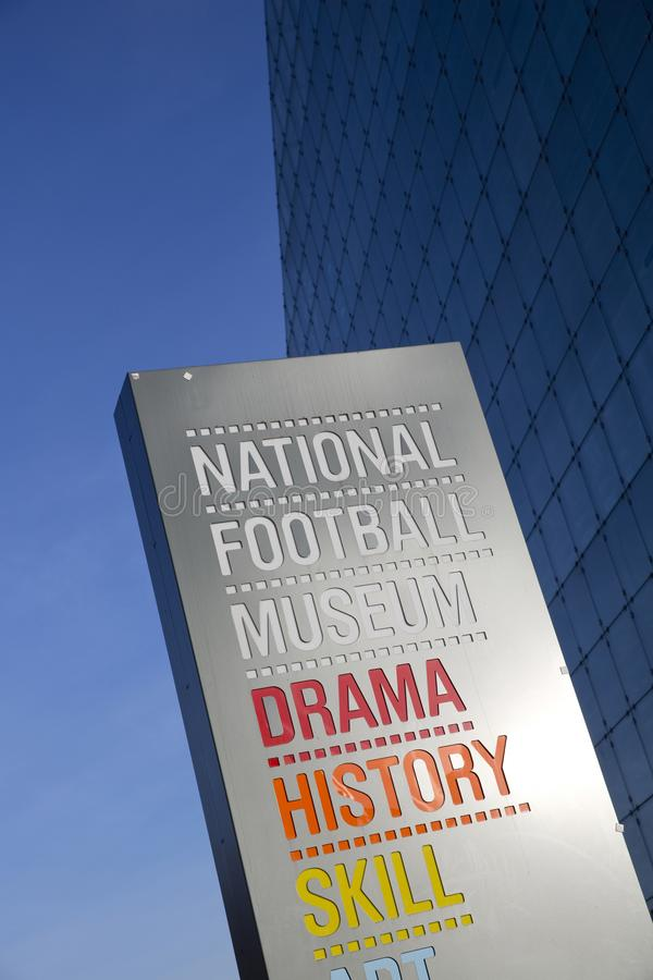 Manchester st?rre Manchester, UK, Oktober 2013, det nationella fotbollmuseet royaltyfri bild