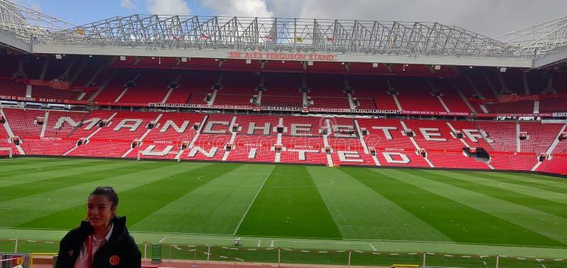Manchester United Stadium of old tafford is het grootste stadion van het verenigd koninkrijk stock afbeeldingen