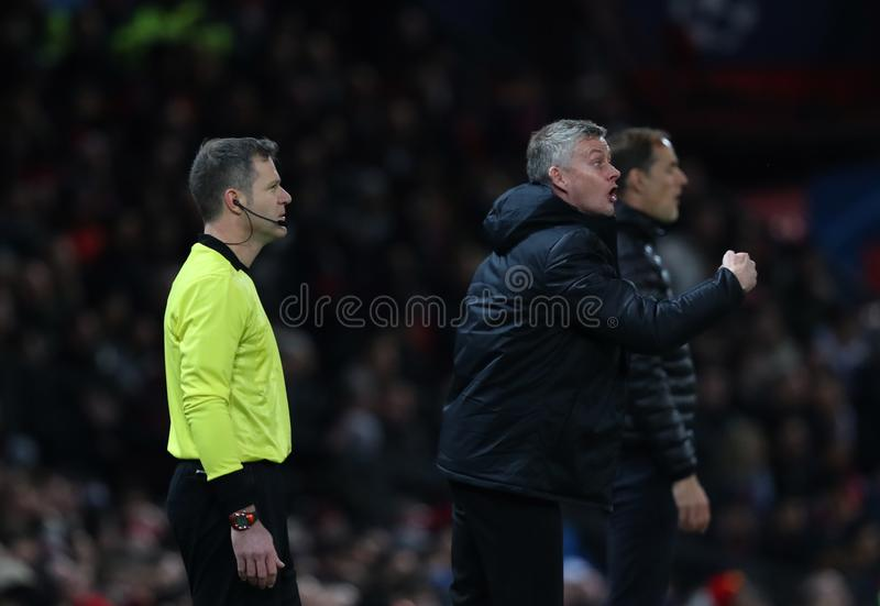 Manchester United v Paris Saint Germain - círculo do UEFA Champions League de 16: Primeiro pé imagens de stock royalty free