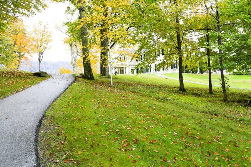 Manchester, Vermont - 3. November 2012: Straße zu Hildene, Lincoln Family Home stockfoto