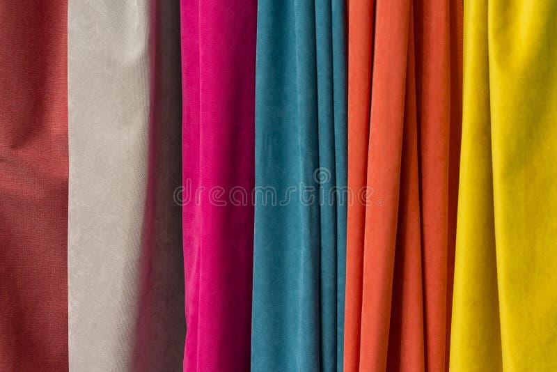Mandíbulas de la tela colorida fotos de archivo libres de regalías