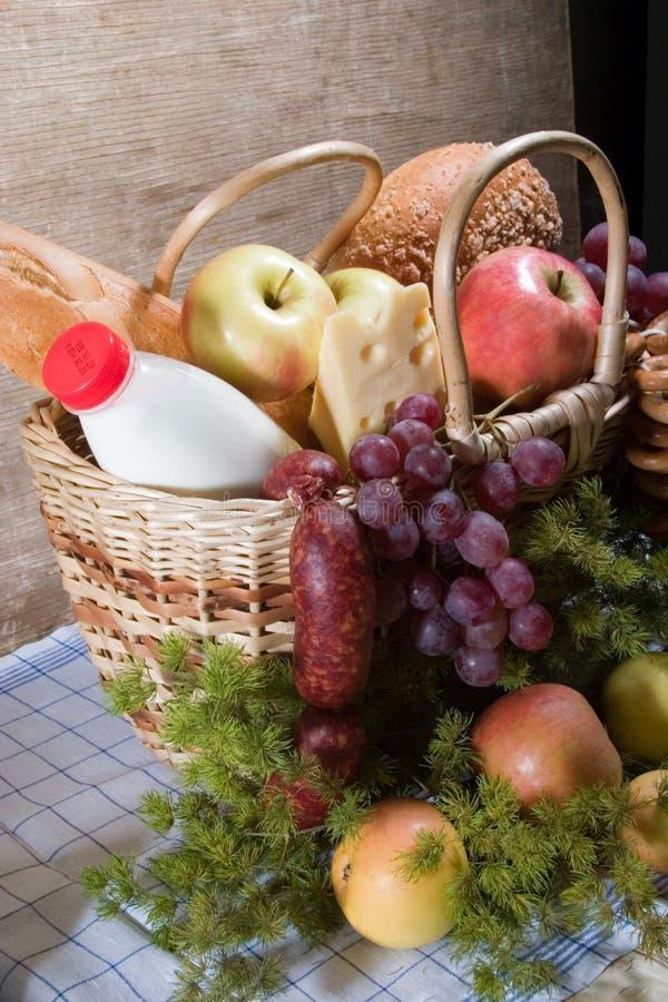 Mand met voedsel royalty-vrije stock afbeelding