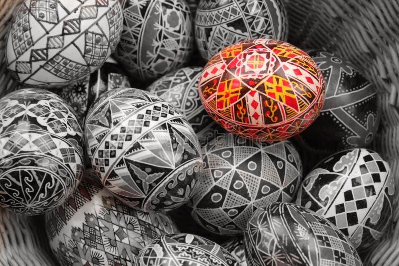 Mand van eieren stock afbeeldingen