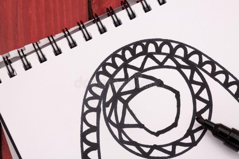 Mandala avec le marqueur photographie stock libre de droits