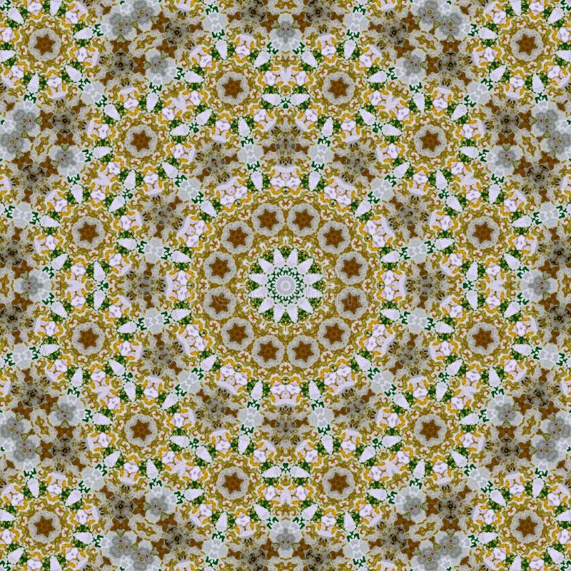 Mandala rond beige floral et de fractale de kaléidoscope de tuile image stock