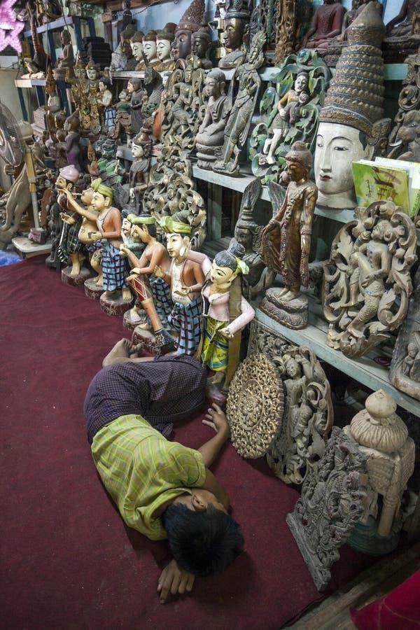 Mandalay - fábrica de las mercancías foto de archivo libre de regalías