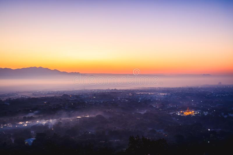 Mandalay kulle royaltyfri fotografi