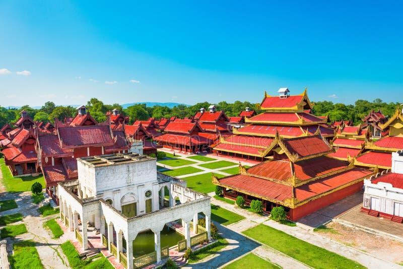 Mandalay Myanmar slott royaltyfri fotografi